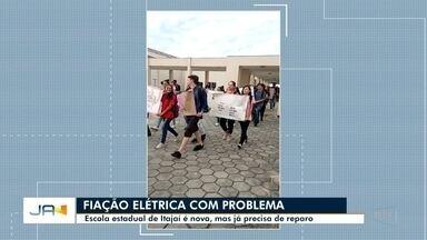 Escola estadual enfrenta problemas na fiação elétrica em Itajaí - Escola estadual enfrenta problemas na fiação elétrica em Itajaí