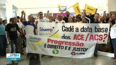 Servidores públicos de Palmas fazem protesto na Câmara pedindo progressões - Servidores públicos de Palmas fazem protesto na Câmara pedindo progressões