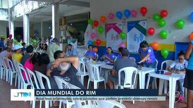 Equipes de saúde orientam população sobre cuidados com doenças renais crônicas - No Dia Mundial do Rim, uma ação foi realizada no Mercadão 2000, em Santarém.