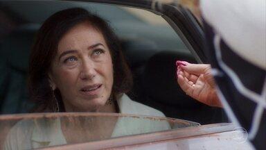 Valentina insiste em falar com Marcos Paulo sobre a fonte - Mattoso fica nervoso ao ver Mirtes