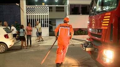 Veículo pega fogo e atinge mais dois carros em São Luís - Incêndio aconteceu neste final de semana nas dependências de um um condomínio na capital.