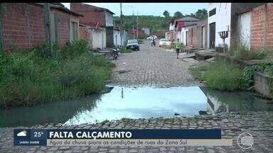 Água da chuva piora as condições de ruas da Zona Sul - Água da chuva piora as condições de ruas da Zona Sul