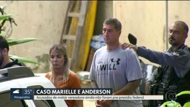 Acusados da morte de Marielle e Anderson precisaram de atendimento médico, em presídio - O sargento aposentado Ronni Lessa e o ex-PM Élcio Queiroz devem ser transferidos, nos próximos dias, pra penitenciária federal de segurança máxima, fora do estado.