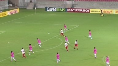 Na estreia pelo Brasileirão, Vitória perde, de goleada, na Arena de PE, para Internacional - Meninas caíram por 5 a 0 e iniciaram mal a competição