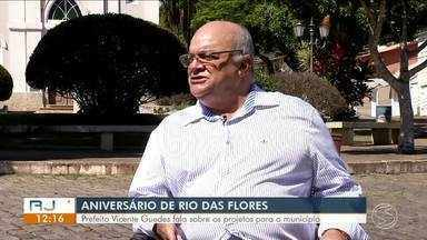 RJTV entrevista prefeito de Rio das Flores - Parte 1 - Após aniversário de 129 anos da cidade, prefeito Vicente Guedes fala sobre projetos para o município.
