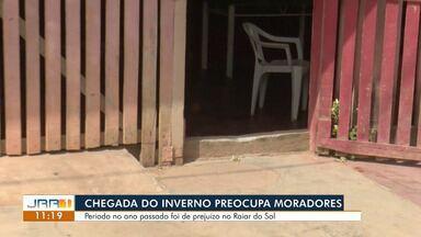 Moradora de Boa Vista denunciam risco de alagamento devido a falta de pavimentação - Problemas relatados por moradora ocorrem no bairro Raiar do Sol.