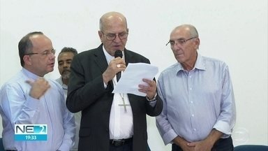 Moradores do Holiday se reúnem com Arquidiocese de Olinda e Recife - Governo, prefeitura e poder Legislativo também participaram.