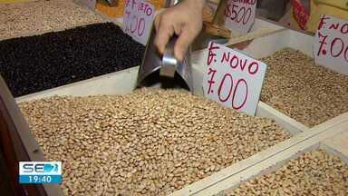 Pesquisa do Dieese mostra feijão com alta de 90% no preço em Aracaju - Subida de preço impactou valor da cesta aracajuana.