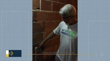 Moradores se queixam de falta d'água em dois bairros do Rio - No Engenho de Dentro, problema começou há 15 dias. E ainda há um vazamento na Rua Ana Leonídia. Quem mora em Anchieta também enfrenta desabastecimento.
