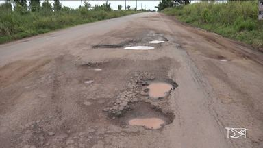 Motoristas reclamam das más condições da BR-222, no MA - Trecho entre Santa Luzia e Vitória do Mearim possui muitos problemas e perigos, para os motoristas e até para quem mora perto da estrada.