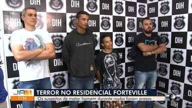 Dupla é presa suspeita de invadir casa, roubar TV e espancar homem até a morte, em Goiânia - Crime ocorreu no Setor Forteville.