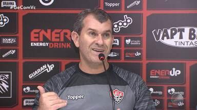 Vitória apresenta o técnico Claudito Tencati no Barradão - O time joga neste sábado (23), pela Copa do Nordeste.