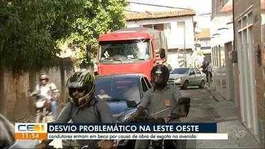 Desvio provoca problemas para motoristas na avenida Leste Oeste - Outras informações no g1.com.br/ce