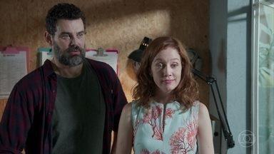 Rafael propõe tentar um novo relacionamento com Gabriela - Os dois conversam sobre seus erros e são interrompidos por Alex, que os convida para o banquete de Amanda