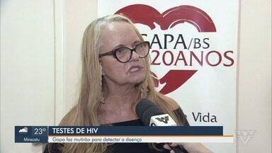Mutirão de teste de HIV acontece em Santos - O mutirão vai até às 14h. Quanto mais cedo se descobre, mais fácil é o combate.