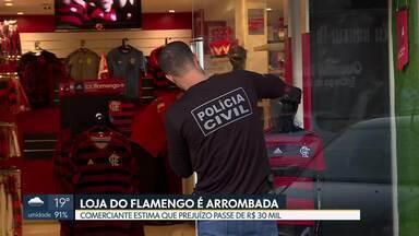Polícia acredita que ladrões de loja do Flamengo são reincidentes - Ainda segundo as investigações, criminosos podem estar por trás de outros crimes no comércio da 308 Sul, principalmente em lojas de artigos esportivos.