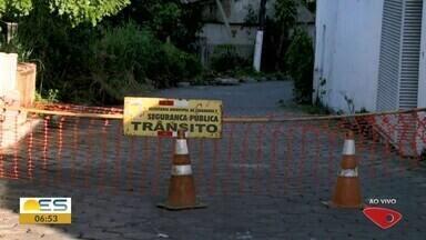 Famílias de Linhares, ES, continuam fora de casa por risco de rompimento de barragem - Moradores são de Rio Pequeno.