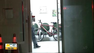 Homens são presos suspeitos de roubar bicicletas - Eles teriam assaltado um casal no Centro de Fortaleza.