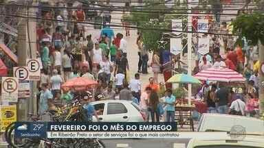 Setor de serviços foi o que mais contratou no mês de fevereiro em Ribeirão Preto, SP - Cidade gerou mais 1.200 novas vagas de trabalho.