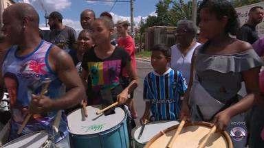 Projeto musical homenageia com percussão os 247 anos de Porto Alegre - Atividade acontece na Rua 26 de Março, no bairro Mário Quintana, em Porto Alegre.