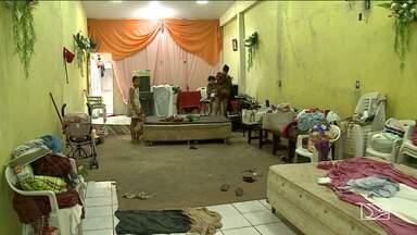 Famílias desalojadas pelas chuvas em São Luís aguardam a liberação do aluguel social - Moradores do bairro Salina do Sacavém ainda continuam abrigadas em casas de parentes, vizinhos ou em igrejas.