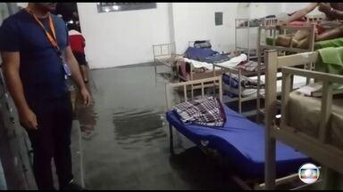 Centros de acolhimento apresentam péssimas condições - Abrigos têm racionamento de sabonete e percevejos na cama.