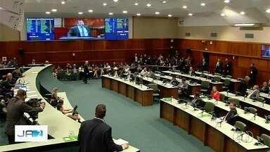 Deputados estaduais aprovam liberação de R$ 34 milhões para pagar salários de dezembro - Verba não deve ser usada para resolver os problemas de todo mundo.