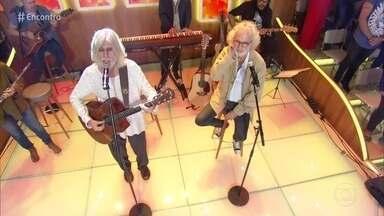 Oswaldo Montenegro e Renato Teixeira cantam 'Bandolins' - Artistas lançam trabalho juntos