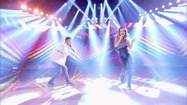 Sandy e Junior celebram retorno no palco do 'Caldeirão' - Dupla conversa com Huck e canta sucessos da carreira