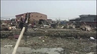 Tempestade já deixa 30 mortos e 500 feridos no Nepal - A ventania atingiu o sudeste do país. Um ônibus chegou a ser lançado para fora da estrada. Meteorologistas investigam se uma das cidades chegou a ser atingida por um tornado.