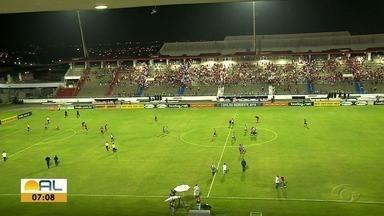 CRB empata com o Botafogo da Paraíba no Estádio Rei Pelé - Galo teve chance de marcar, mas parou no goleiro Saulo.