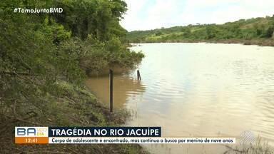 Corpo de adolescente é encontrado no Rio Jacuípe, na região de Feira de Santana - Cinco crianças e adolescentes tomavam banho no rio no domingo (31), quando dois jovens foram arrastados pela correnteza. Um rapaz segue desaparecido.