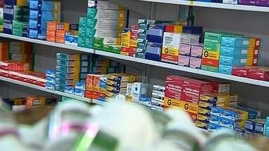 Medicamentos sofrem reajuste a partir desta segunda-feira - A partir de hoje, os preços dos medicamentos estão mais caros nas farmácias. O reajuste foi definido pelo Ministério da Saúde.