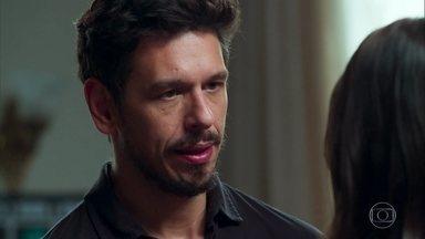 Alain pede para a Cris voltar a fazer o papel de Julia Castelo no filme - Ele diz que vai conversar pessoalmente com Mariane