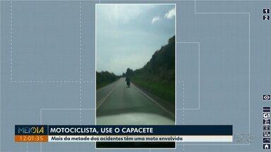 Mais da metade dos acidentes de trânsito em Ponta Grossa têm moto envolvida - Cinto de segurança e capacete são fundamentais para evitar que motociclistas tenham ferimentos mais graves.