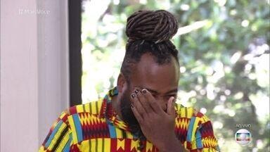Rodrigo chora ao rever eliminação no BBB19 - Ana Maria recebe ex-BBB para o café da manhã. Rodrigo diz que não se arrepende de nada e fala que Carol, Hariany e Paula estão jogando de uma forma ruim