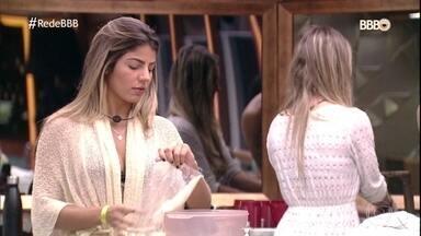 Hariany e Paula discutiram por causa de arroz - Amigas acabaram se desentendo e batendo boca