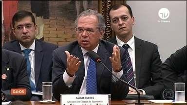Paulo Guedes passa quase sete horas na CCJ da Câmara debatendo a Reforma da Previdência - O ministro da Economia passou quase sete horas na Comissão de Constituição e Justiça da Câmara debatendo a Reforma da Previdência com os deputados.