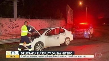 Delegada tem carro e arma levados por bandidos em Niterói - A delegada estava passando por uma rua movimentada de Niterói quando foi abordada por bandidos. Além dos pertences da delegada e do carro, os assaltantes levaram a arma.