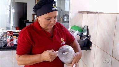 Chef de cozinha de Itumbiara ensina como fazer peixe na telha com pirão - Prato é rápido e simples de fazer e pode ser uma opção para almoço de domingo.