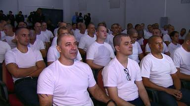 74 aprovados no concurso da Guarda Municipal de Cascavel se apresentam - São nove mulheres e 65 homens. Todos vão passar por um curso nos próximos seis meses.
