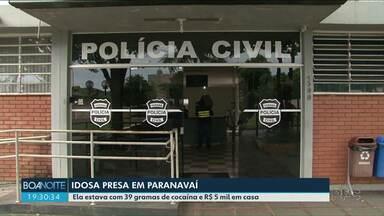 Idosa de 75 anos é presa por tráfico de drogas em Paranavaí - Ela estava com 39 gramas de cocaína e R$ 5 mil em casa.