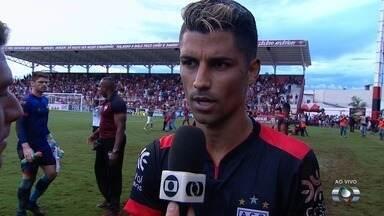 Autor do gol, Jorginho fala sobre o jogo e briga entre jogadores - Jorginho elogia desempenho da equipe e pede que cenas não se repitam
