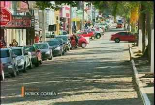 Forma de estacionamento é alterado na avenida 7 de setembro, em Bagé, RS - Medida que começou a valer a partir da manhã dessa segunda-feira (08).