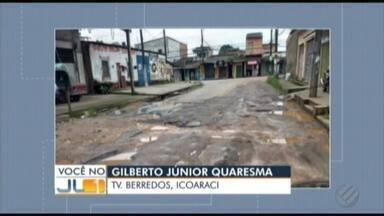 Morador denuncia perigo que buracos em via no Distrito de Icoaraci trazem em Belém - Travessa Barredos está tomada por crateras. Prefeitura diz que obras no local estão no cronograma da gestão municipal.