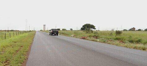 Motorista atropela mãe e filhos e foge sem prestar socorro em Uberlândia - A mulher de 35 anos morreu. A PM faz buscas atrás do condutor.
