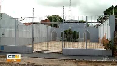 Bandido se esconde em banheiro de Igreja Evangélica - Outras informações no g1.com.br/ce