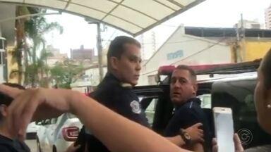 Briga entre vereador de Catanduva e médico termina na delegacia - Uma briga entre um médico e o vereador de Catanduva (SP) Maurício Gouvea foi parar na delegacia, na tarde desta segunda-feira (8).