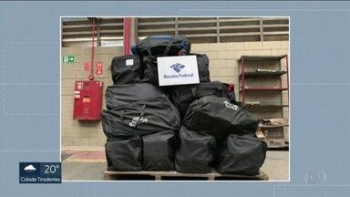 Mais de 1 tonelada de cocaína foi apreendida no porto de Santos - A droga estava em contêineres e iria para a Bélgica