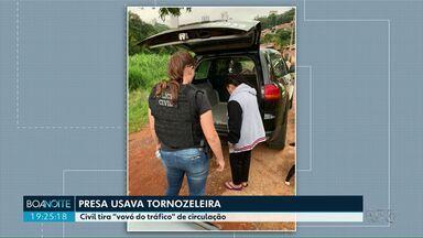 """Polícia Civil tira """"vovó do tráfico"""" de circulação em Ponta Grossa - Mulher de 58 anos tinha extensa ficha criminal e foi presa nesta segunda-feira (08)."""